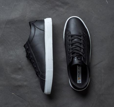 sneaker profile image blog