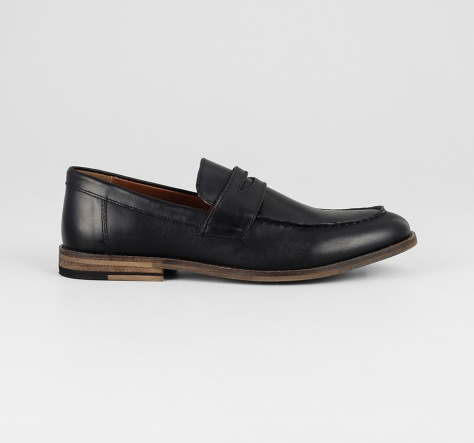 Black-penny-loafer