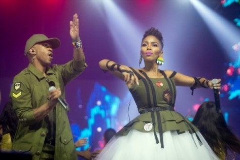 South-Africa-Metro-FM-Music-Awards-2017-February-BellaNaija-4-600x399